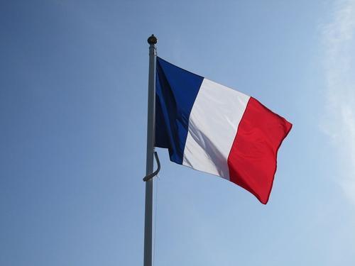 Госсекретарь при МИД Франции считает недостаточными принятые против России санкции