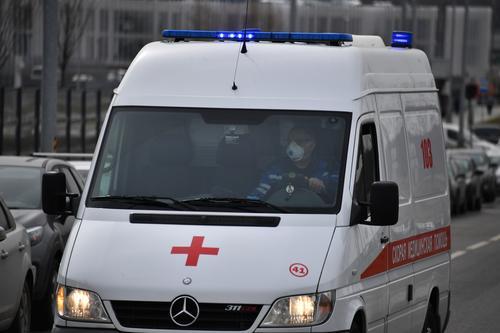 В центре Москвы неизвестный ударил мужчину ножом в сердце