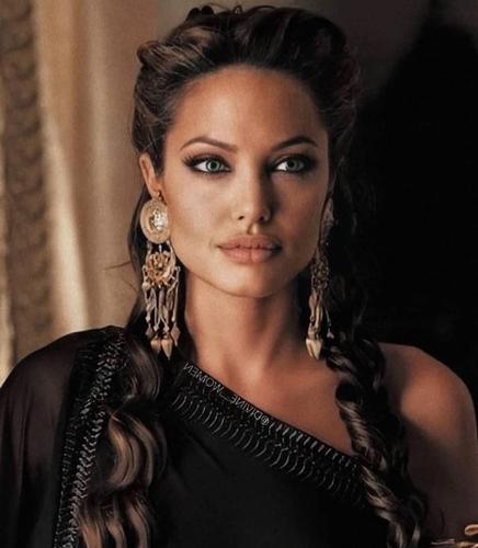 Анджелина Джоли призналась, что не считает себя идеальной матерью