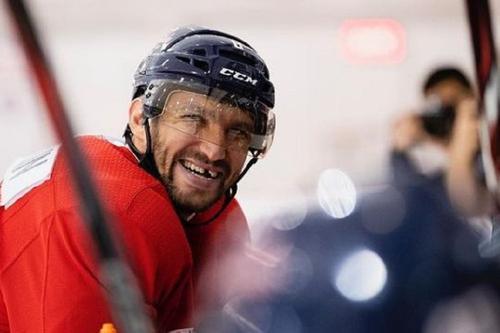 Овечкин вышел на 7-е место по числу забитых голов в истории НХЛ