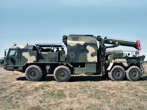 Машина для эвакуации комплекса «Искандер» поступила на вооружение общевойсковой армии ЗВО