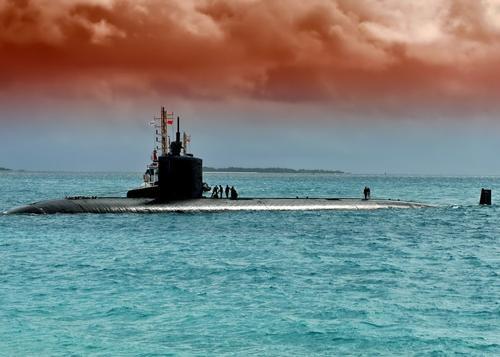 Подводная лодка столкнулась с коммерческим судном в Японии
