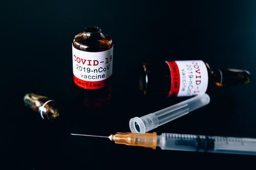 Биолог Аграновский объяснил, в каком случае вакцина от коронавируса не поможет