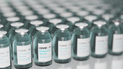 Инфекционист Алексей Яковлев советует перед вакцинацией обязательно пройти обследование