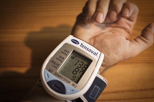 Главный кардиолог Минздрава Бойцов назвал оптимальное артериальное давление