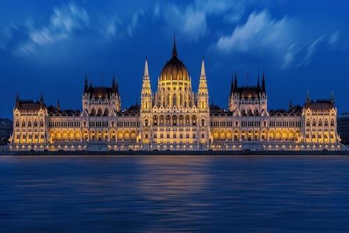 В Венгрии началось использование российской вакцины «Спутник V»
