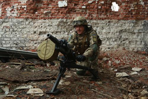 Политолог Корнилов объяснил, почему не заканчивается военный конфликт в Донбассе