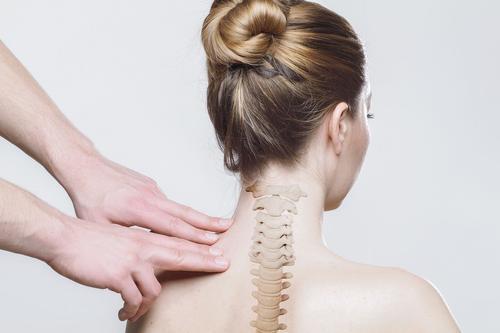 Мануальный терапевт Кабычкин объяснил, как продлить «гарантийный срок» позвоночника