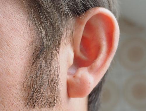 Врач-невролог Евдокимов перечислил заболевания, о которых может свидетельствовать шум в ушах