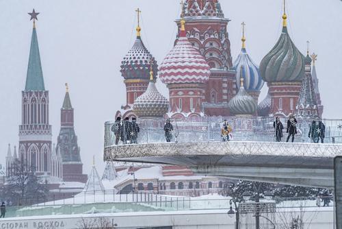 Врач Тяжельников рассказал, как москвичам подготовиться к приходу «барической пилы»