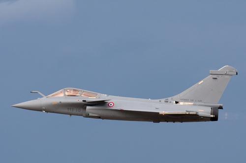 Выложено видео из района перехвата Су-27 французских военных самолетов, приближавшихся к границе России