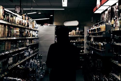 В Кировской области алкоголь будут продавать с 8 утра