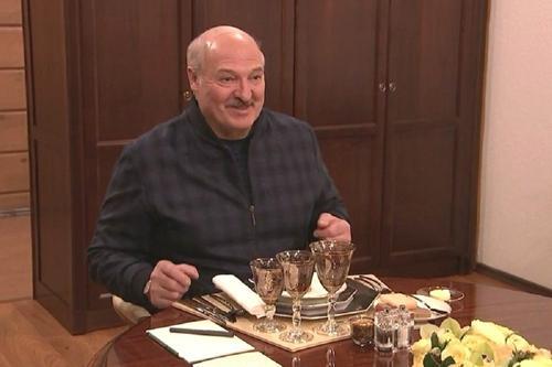 Лукашенко рассказал Путину о перспективах белорусской вакцины от коронавируса
