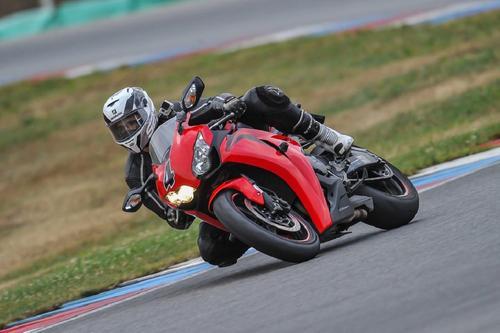 Коронавирус стал причиной смерти чемпиона мира в гонках MotoGP