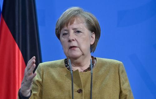 Меркель сообщила, что Германия столкнулась с третьей волной коронавируса