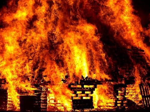 Прокуратура: трое детей могли погибнуть при пожаре в Новосибирске