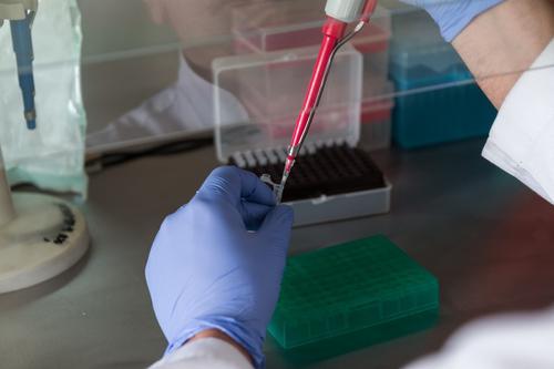 Инфекционист Вознесенский оценил риск «британского» штамма коронавируса в Москве