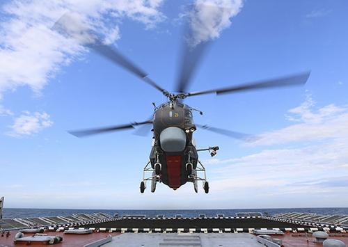 Противолодочные вертолеты БФ провели поиск в Балтийском море субмарин условного противника