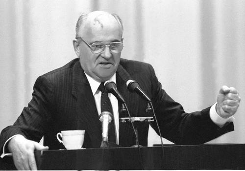 Американский журналист Саймс: Россия не повторит «унижения» времен Горбачева