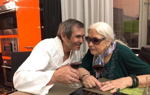 Федосеева-Шукшина решила сохранить брак с Алибасовым