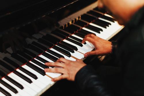 Роботизация добралась и до пианистов: 3D-руки компьютера виртуозно играют Рахманинова