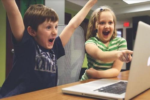 Почти треть молодых россиян выбирают интернет вместо телевизора