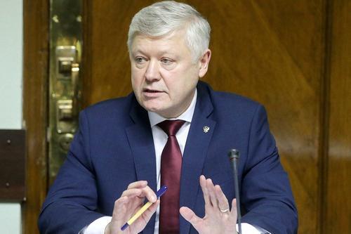 Пискарев прокомментировал инициативу Путина принять закон о защите силовиков от угроз