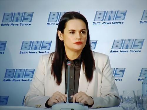 Тихановская заявила, что ее визит в Швейцарию связан с планами найти там активы Лукашенко