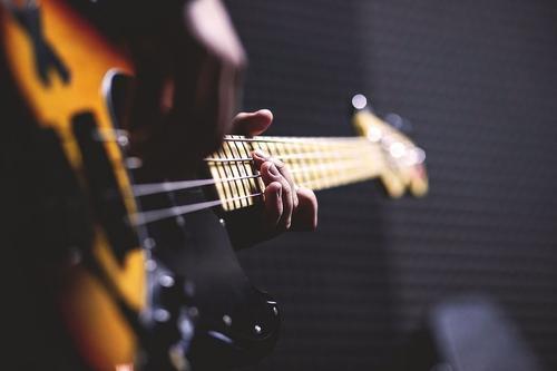Во Львове избили музыкантов, которые пели песню на русском языке