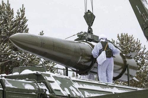 Журнал Forbes: страх перед ядерным арсеналом России может загнать США в «ловушку»