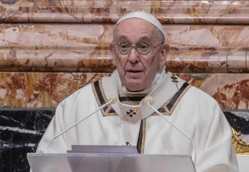 Папа Римский заявил о необходимости уважать и оберегать женщин