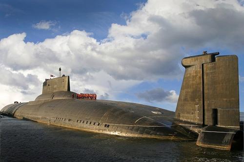 Сайт Avia.pro: российская подлодка «Дмитрий Донской» вызвала страх в США из-за своих размеров