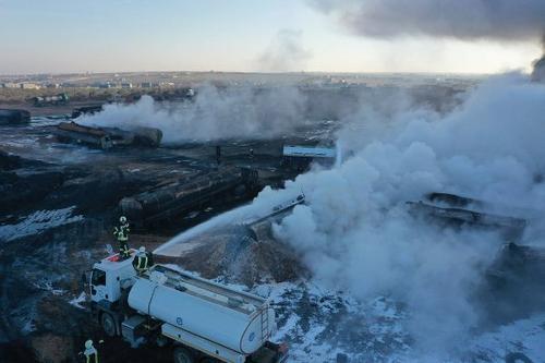 EADaily:  в сети появились фотографии ракетного удара российских кораблей по турецким бензовозам в Сирии