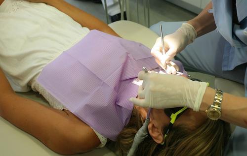 Мясников рассказал, что болезни зубов могут привести к развитию рака