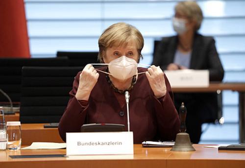 Из-за коррупционного скандала с закупкой масок правящая партия Меркель может проиграть выборы