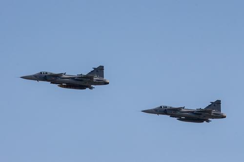 Сайт Avia.pro: боевые самолеты НАТО могут ударить по ДНР и ЛНР в случае наступления Украины в Донбассе