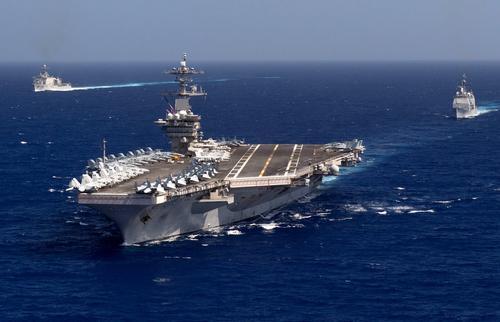 Авианосец ВМС США и сопровождающая его группа кораблей находится в восточном Средиземноморье
