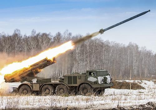 Артиллеристы Балтийского флота оттачивают мастерство в ведении огня из РСЗО «Ураган»