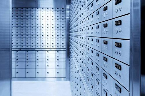 Из сейфовых ячеек московских банков украли 500 млн рублей