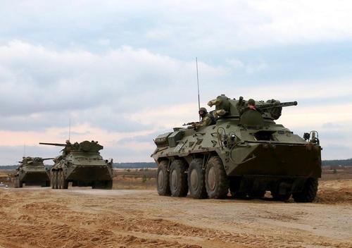 Avia.pro: танковые силы ДНР приведены в полную боеготовность, Украина может атаковать в течение суток