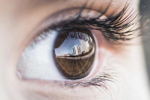 Ученые научились определять болезнь Альцгеймера  по глазам
