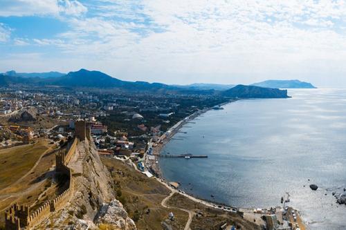 Иностранцам запретили владеть недвижимостью в Крыму с 20 марта