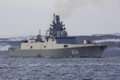 Фрегат «Адмирал Горшков» вышел в Баренцево море для проведения стрельб под носом кораблей НАТО