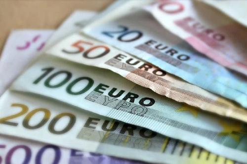 Экономист Беляев объяснил рост курса евро
