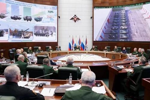 На параде Победы  на Красной площади продемонстрируют 35 новых образцов военной техники