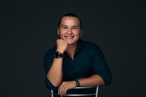 Житель Москвы Дмитрий Ефимов стал победителем чемпионата мира по смеху