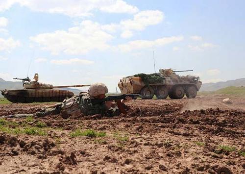 Тактическое учение горных российских мотострелков завершилось в Таджикистане