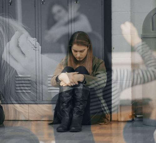 ВЦИОМ: 94% школьниц мечтают о пластической операции