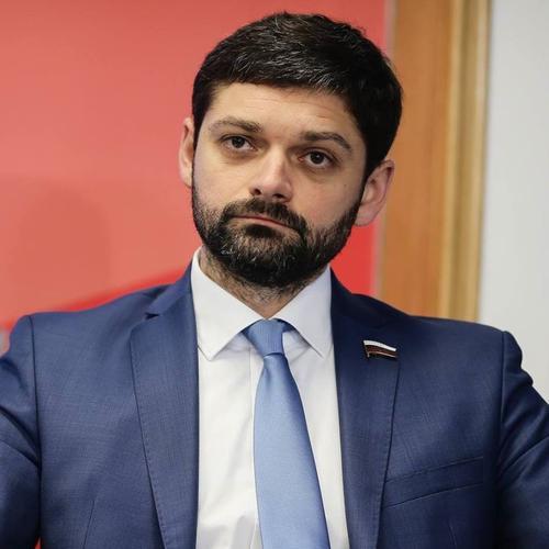 Депутат Госдумы Андрей Козенко заявил о готовности приехать в Донбасс и защищать ДНР и ЛНР