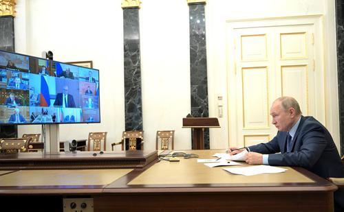 Путин поручил ФАС разобраться с существенным ростом цен на жилье